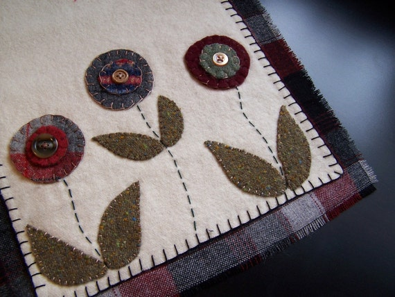 Flower Wool Felt Table Runner W Buttons