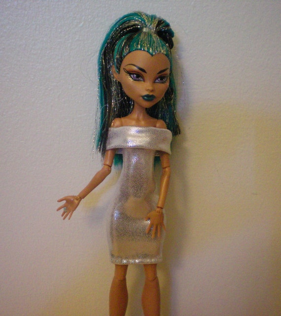 Silvery white dress for monster high doll Nefera