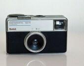 Vintage Camera Kodak 133-X Instamatic, 1970s, Retro, gift for Photographer or Camera Collector