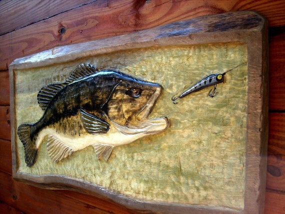 Large mouth bass and lure plaque chainsaw art by
