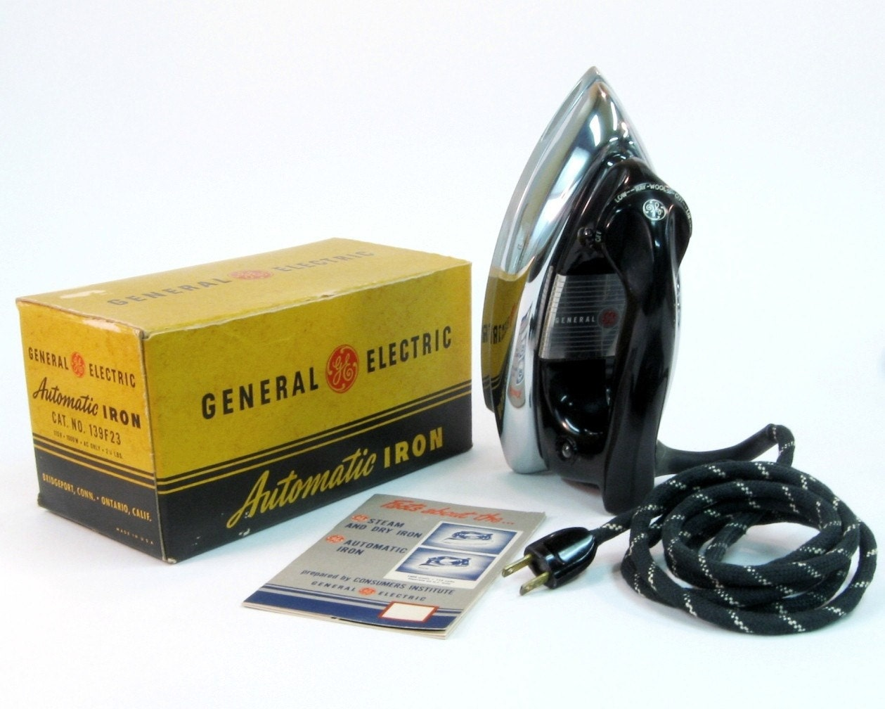 Vintage 1950s Ge Automatic Iron With Original Box And