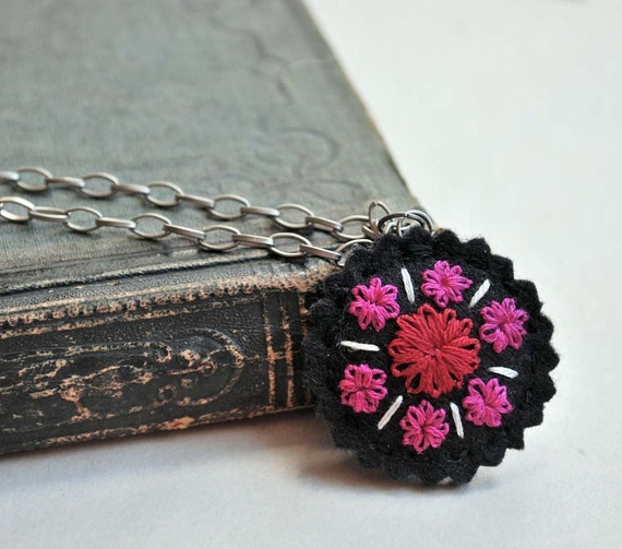 Hand Embroidered Wool Felt Necklace Black Scarlet Red Fuschia in She Likes to Tell Stories pattern