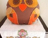Peety Bird Pillow