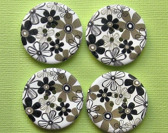 6 Large Wood Buttons Floral Designs 30mm BUT71