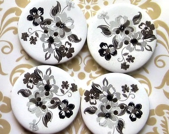 6 Large Wood Buttons Floral Designs 30mm BUT70