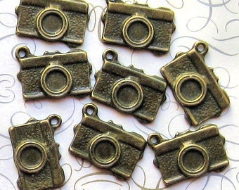 8 Camera Charms Antique Bronze Tone - BC023