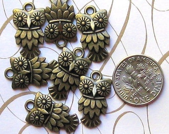 8 Owl Charms Antique Bronze Tone - BC058
