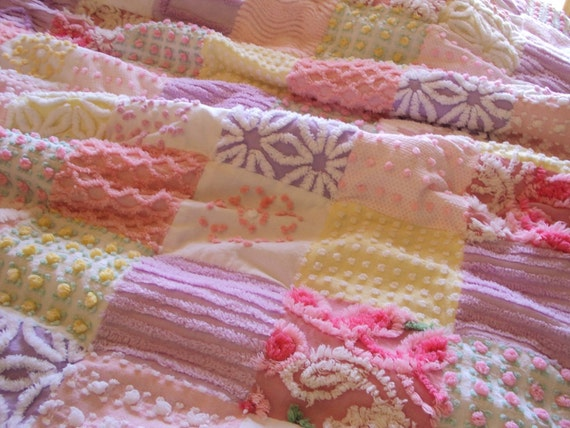 Sweet vintage chenille quilt, soft pastel colors, pink, lavender, yellow, throw 42 x 58