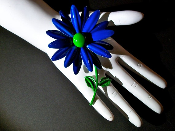 My RePurposed UpCycled Magnets Made From 1960s Flower Power Brooch Pins Just For You 12