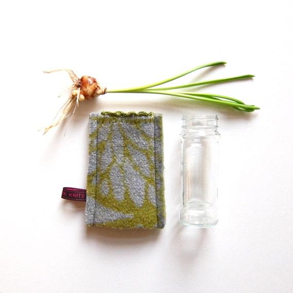 jar cover IBI, wool, felted, moss green, grey