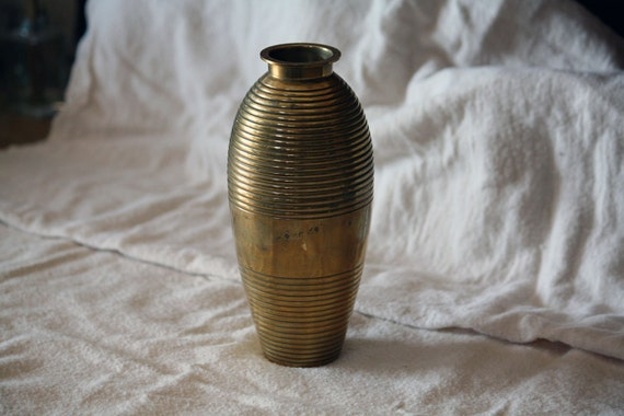 Vintage Brass Vase Rustic Home Decor, Spring Summer Flowers, Shabby Chic Cottage Cabin Decor Patina dreamt elitett