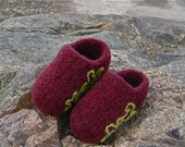 Felted Clog Slippers, doodle, burgundy, with lime green by Molly's Purl