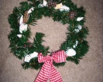 Small Seashell and Pinecone Holiday Wreath