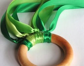 A Waldorf Creative Movement Wooden Ring -FLY ME- EARTH-Hand Kite