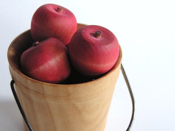Natural Wood Toy- Autumn Harvest Apples- Waldorf Seasonal Pretend Educational Toy or Decor