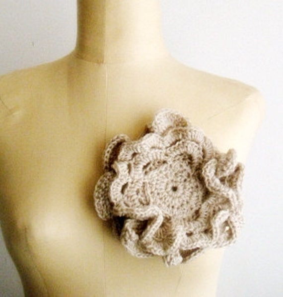 Crochet PDF PATTERN Large Romantic Flower Brooch Ivory Floral Corsage 7