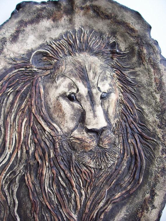 Ceramic Lion Art Plaque Clay Animal Sculpture Decorative Plate