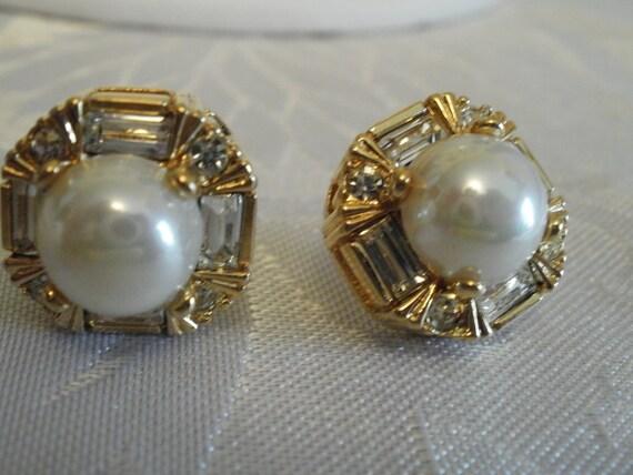 Vintage earrings, pearl and crystal earrings, bridal earrings, wedding earrings, stud earrings
