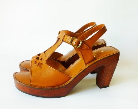 70s Wooden Platform Sandals Heel Leather Vintage