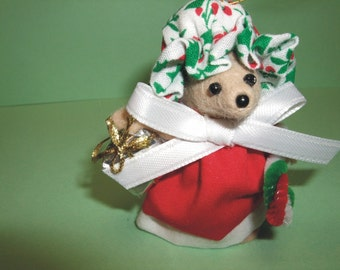 Free Shipping ) Kristen a handmade Christmas Mouse Ornament  Great for Mice Rat Rodent Collector Animal lover By Terrys Country Shop ( 181 )