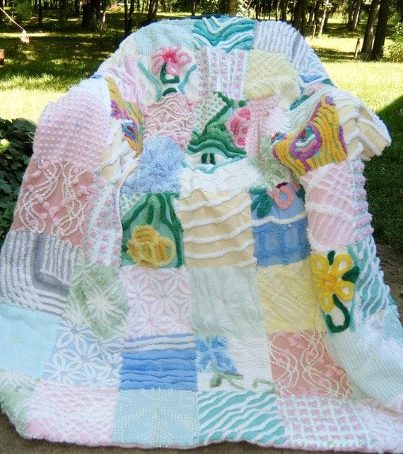 Plush Adorable CHENILLE PATCHWORK QUILT Pastels Thick Flowers Large Lap Porch Quilt