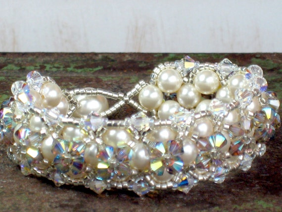 Prettiest Wedding Bracelet, Your choice of Ivory or White Swarovski Pearls, Goes with Everything, Prom, Little Black Dress Jewelry