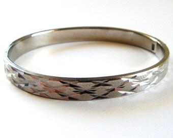 Etched Silver Tone Hinged Vintage Bangle Bracelet
