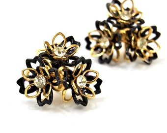 Vintage 3D Rhinestone Flower Earrings