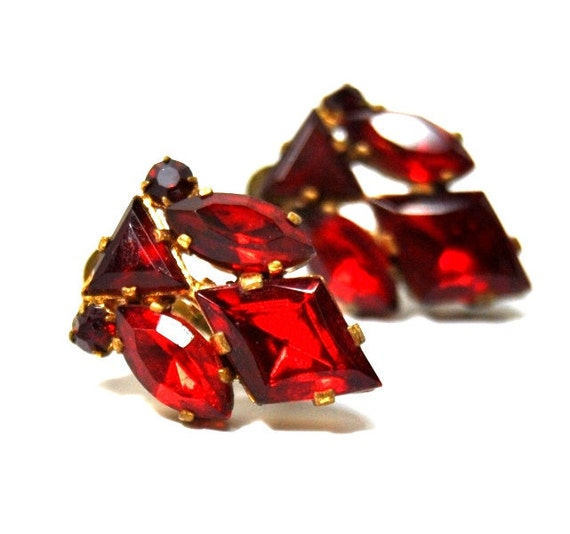 1920s Czech Art Deco Red Rhinestone Earrings