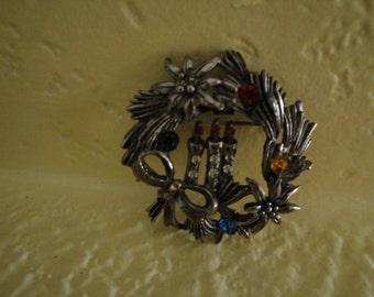 Beatrix Christmas Wreath Pin