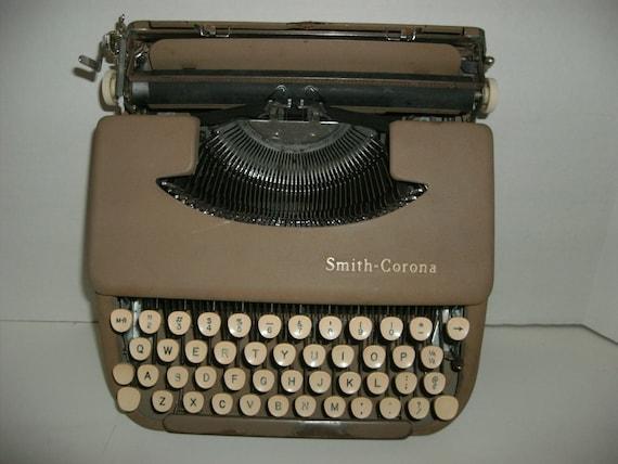 Vintage Smith-Corona Skyriter Portable Manual Typewriter