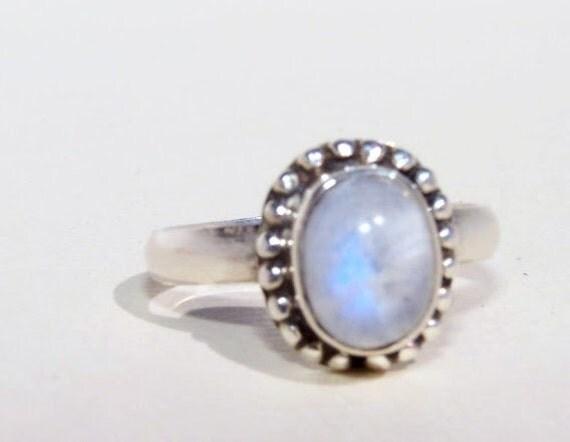 VINTAGE Moonstone Ring in Sterling Silver