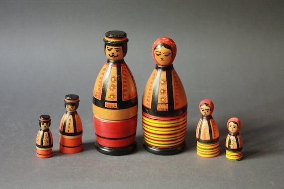 Vintage Russian Matrochka Family Handpainted Wooden Figurines
