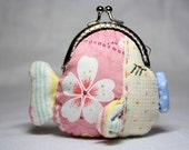 Coin Purse - Kissing Fish - Cotton Fabric with Metal Frame - Girl