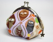 Coin Purse - Meow. Cotton Fabric with Lovely Cats and Their Favorite Toys (Metal Frame - Light Purple)