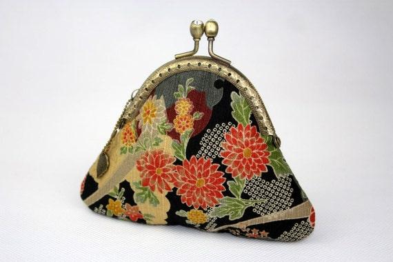 Coin Purse - Sakura Chrysanthemum - Cotton Fabric with Vintage Metal Frame (Polka Dot Lining)
