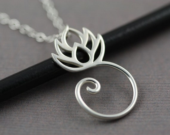 Sterling Silver Round Lotus Flower Necklace