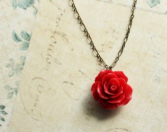 Red Rose Necklace Red Flower Pendant Resin Floral Jewellery Romantic Gift for Women Love Gothic Valentines Long Necklace Gift for Girlfriend