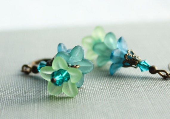 Teal Flower Earrings, kelly green, Ultramarine, Floral Jewelry, lucite flower earrings, leverback earrings, spring jewelry