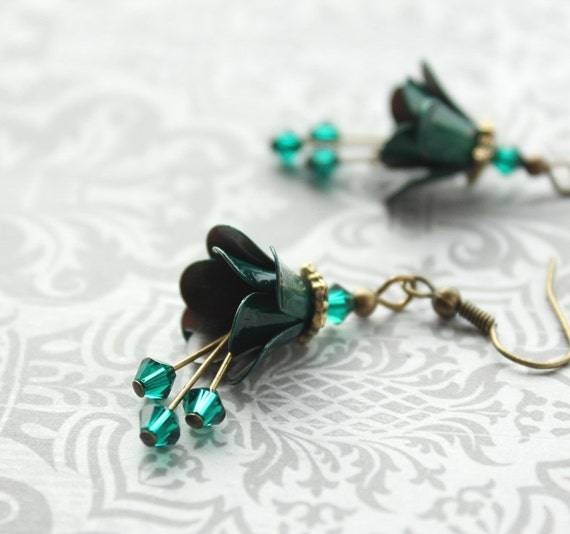 Kelly Green Earrings, Ename Danglel Earrings, Flower Earrings, Forest Green Floral Drops, Teal, Emerald, Peacock Green, Flower Earrings,