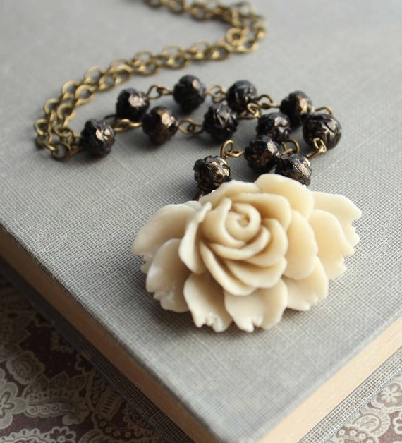 Cream Rose Necklace, Black Rosebud Beads, Rose Pendant, Vintage Style, Shabby Chic, Statement Necklace, Resin Jewelry,  Beaded Necklace