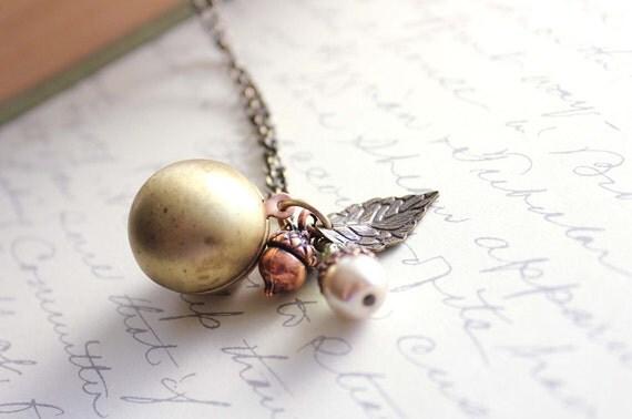 Vintage Ball Locket, Locket Necklace, Pendant Necklace, Pearl Charm, Acorn Charm, Leaf, Secret Hiding Place, Photo Locket