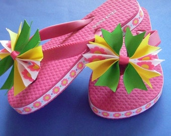 Retro Flower Bowtique Flip Flops - Pinwheel Bows...Youth Size 8/9...Ready to Ship