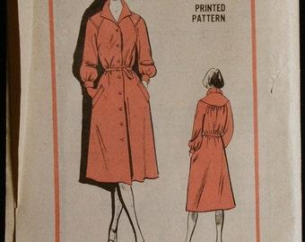 Prominent Designer M391 Stylish Dress Pattern Vintage 70s Sewing Pattern Fredlee Size 14