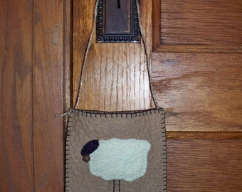 Prim Sheep Wool Felt Door Pocket