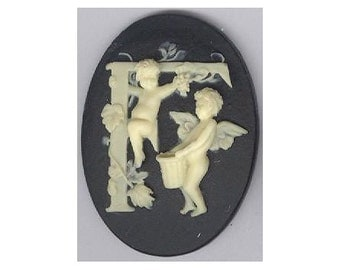 Alphabet charm Letter F Resin Alphabet Cameo 40x30 black  letter F cacochon with cherubs angel 40x30mm item 142x