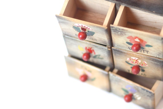 Lets put a pin in it..... Vintage sewing storage container chest with 6 drawers, 4 thread holders and a needle holder