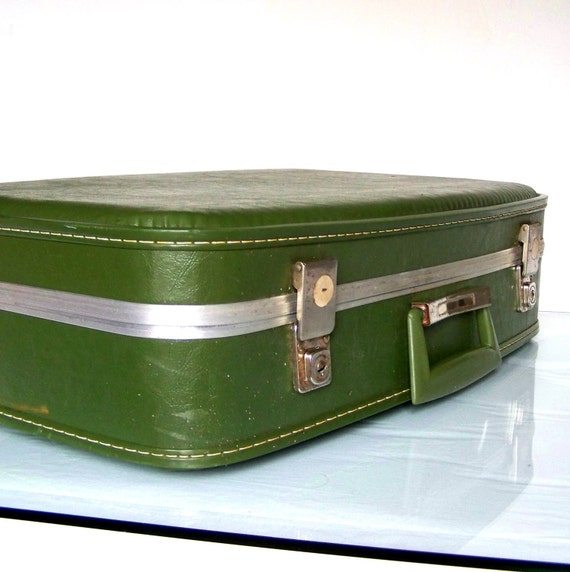 Vintage Grungy Suitcase in Olive Green with Cream Quilted Interior