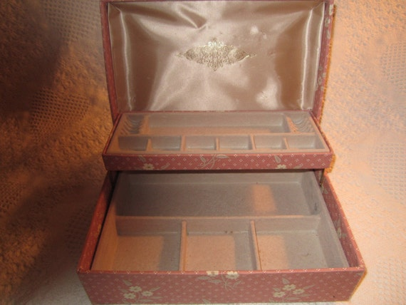 Vintage Medium MELE JEWELRY Box Container Peach Tan Satin Velvet Collectible