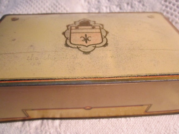 Vintage 1930s GILBERT CHOCOLATE Tin Container One Pound Cream Caballero Collectible